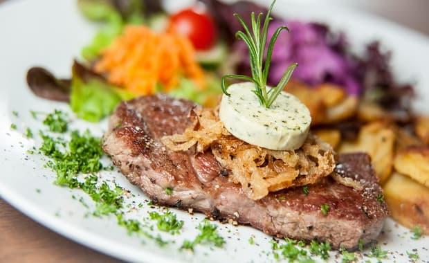 Как приготовить отбивные из говядины на сковороде по пошаговому рецепту и фото
