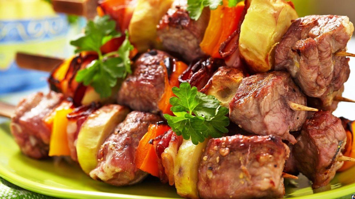 Читать онлайн 200 рецептов блюд на открытом воздух: гриль, барбекю, шашлык из мяса, рыбы, овощей, морепродуктов и фруктов страница 5