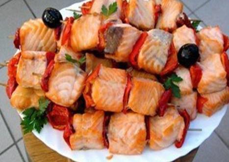 Шашлык из рыбы на решетке: рецепт с фото пошагово. как приготовить шашлык из красной рыбы на решётке?