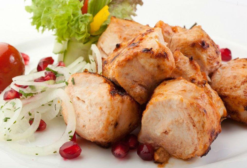 Как приготовить шашлык из курицы: лучшие маринады и все тонкости процесса