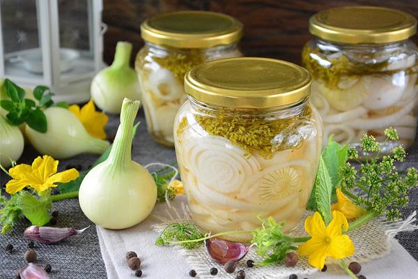 Маринованный лук — простые рецепты быстрого приготовления