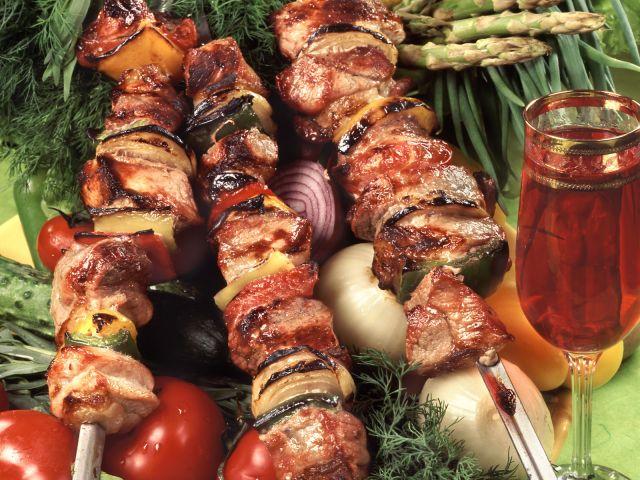 2 рецепта шашлыка в томатном маринаде