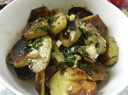 Как приготовить картофель на мангале