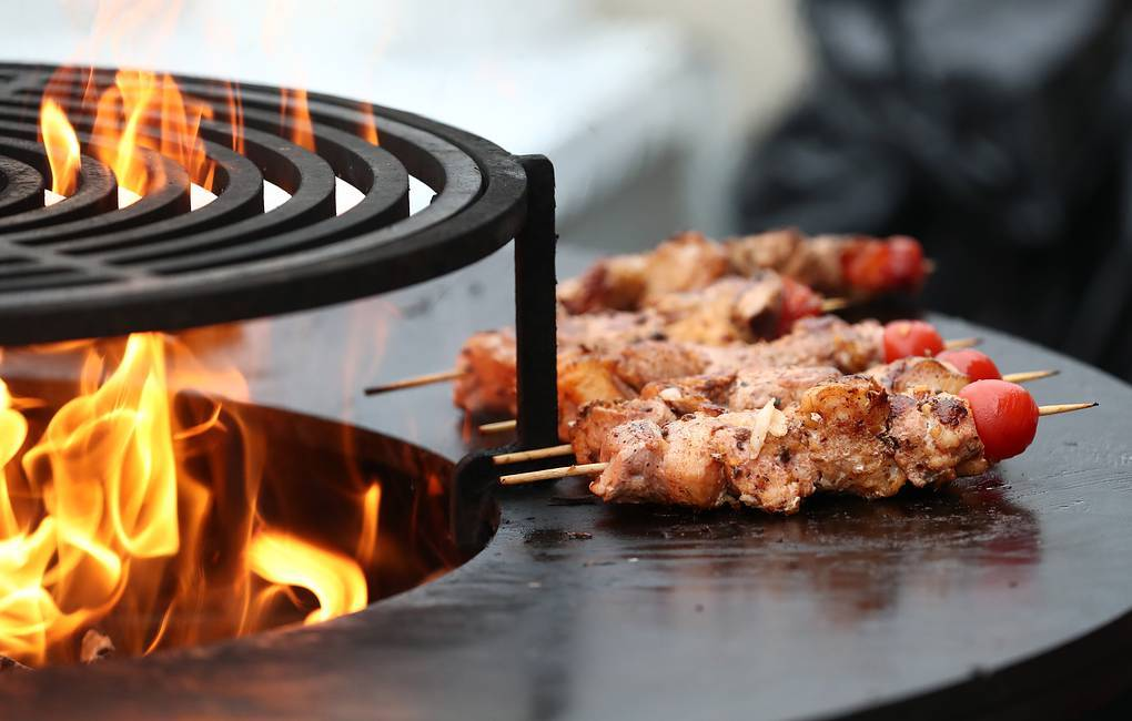 Где можно и нельзя готовить шашлыки летом. во дворе, в парке, в лесу