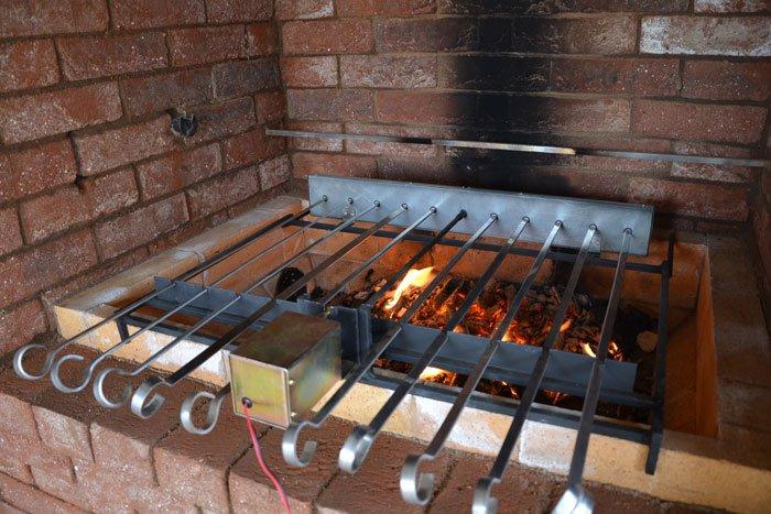 Как сделать мангал с электроприводом шампуров своими руками