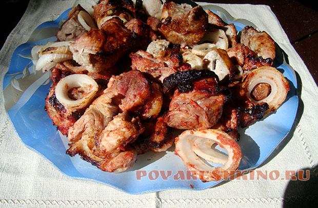 Простой и вкусный маринад для шашлыка с кетчупом и специями