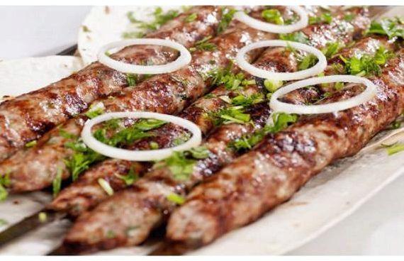 Как приготовить люля-кебаб из говядины в домашних условиях: 4 рецепта, особенности - onwomen.ru
