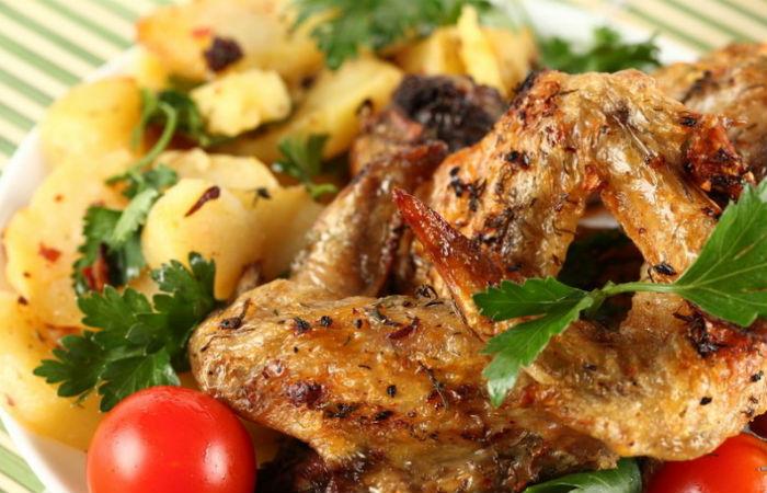 Шашлык из курицы: самые вкусные маринады для курицы, чтобы мясо было сочное и мягкое.