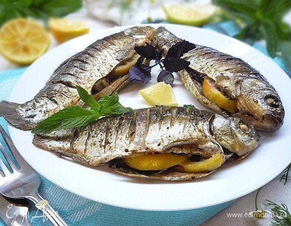 Карась запеченный на костре. карась на мангале - простая рыба по-новому. рецепты маринадов для карасей