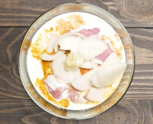Шашлык из свинины, маринованной в кефире - 6 пошаговых фото в рецепте