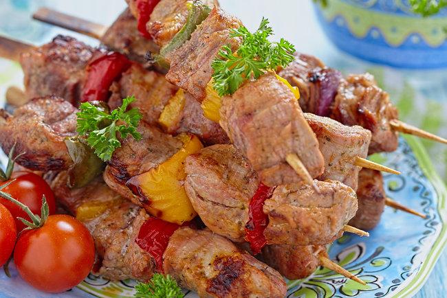 Рецепт шашлыка из свинины с минеральной водой, простой, но очень вкусный