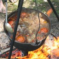 Шурпа из свинины в казане