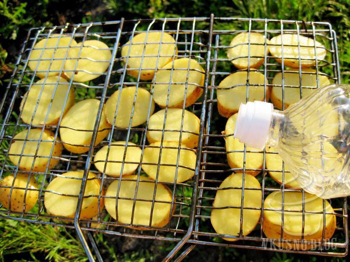 Как приготовить картошку на костре