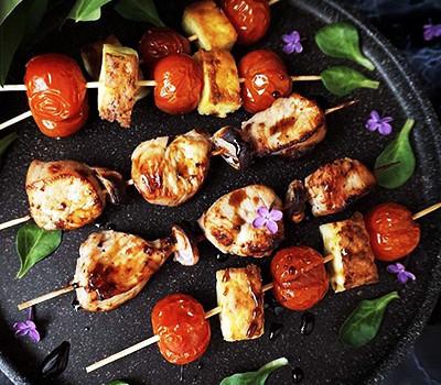 Куриные шашлычки на шпажках в духовке по дюкану