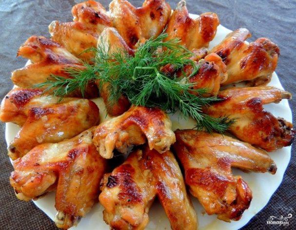 Куриные крылышки барбекю на мангале