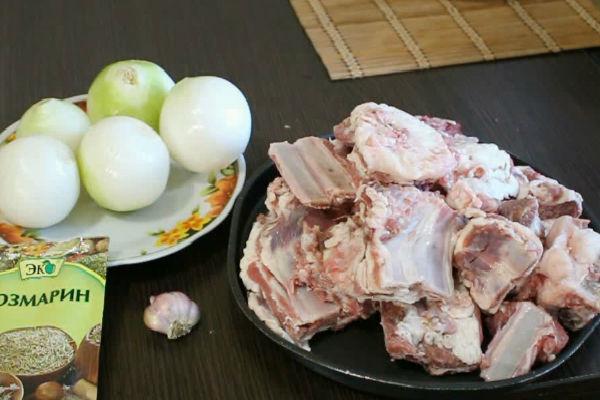 Баранья корейка жареная на сковороде. баранина жареная с луком на сковороде рецепт