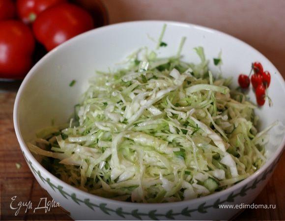 Лёгкие салаты к шашлыку: овощные, с капустой, вкусные