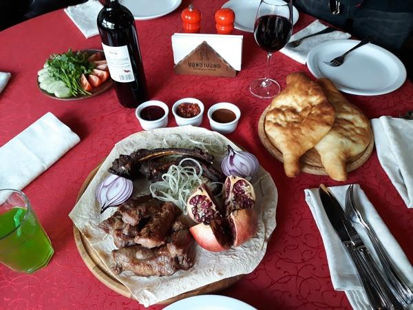 Грузинский шашлык без маринада из свинины на углях