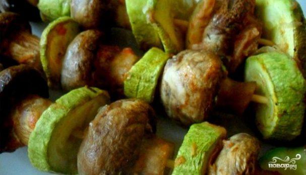 Как сделать грибной шашлык на шпажках в духовке