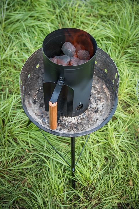 Как разжечь древесный уголь для шашлыка