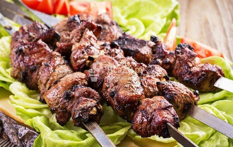 Шашлык из свинины маринованный в луке и черном перце - кулинария для мужчин