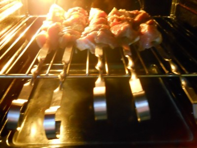 Жареное мясо на вертеле