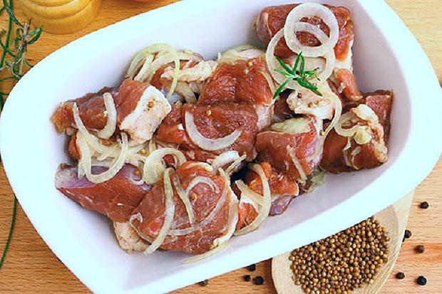 Как мариновать шашлык из свинины? сочный шашлык из свинины. маринад для шашлыка: рецепт