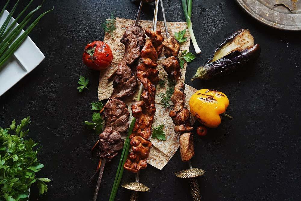 Шашлык из говядины — как вкусно замариновать мясо, чтобы оно было сочным