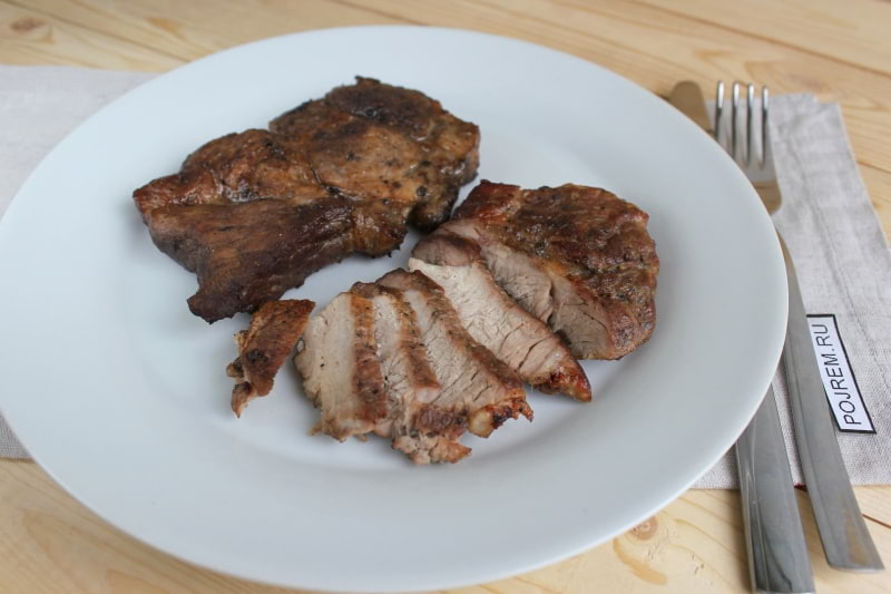Стейк из свинины в духовке
