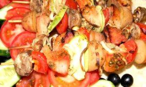 Экзотический шашлык из свинины с ананасом