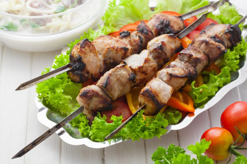 Шашлык на кефире из свинины – 3 рецепта
