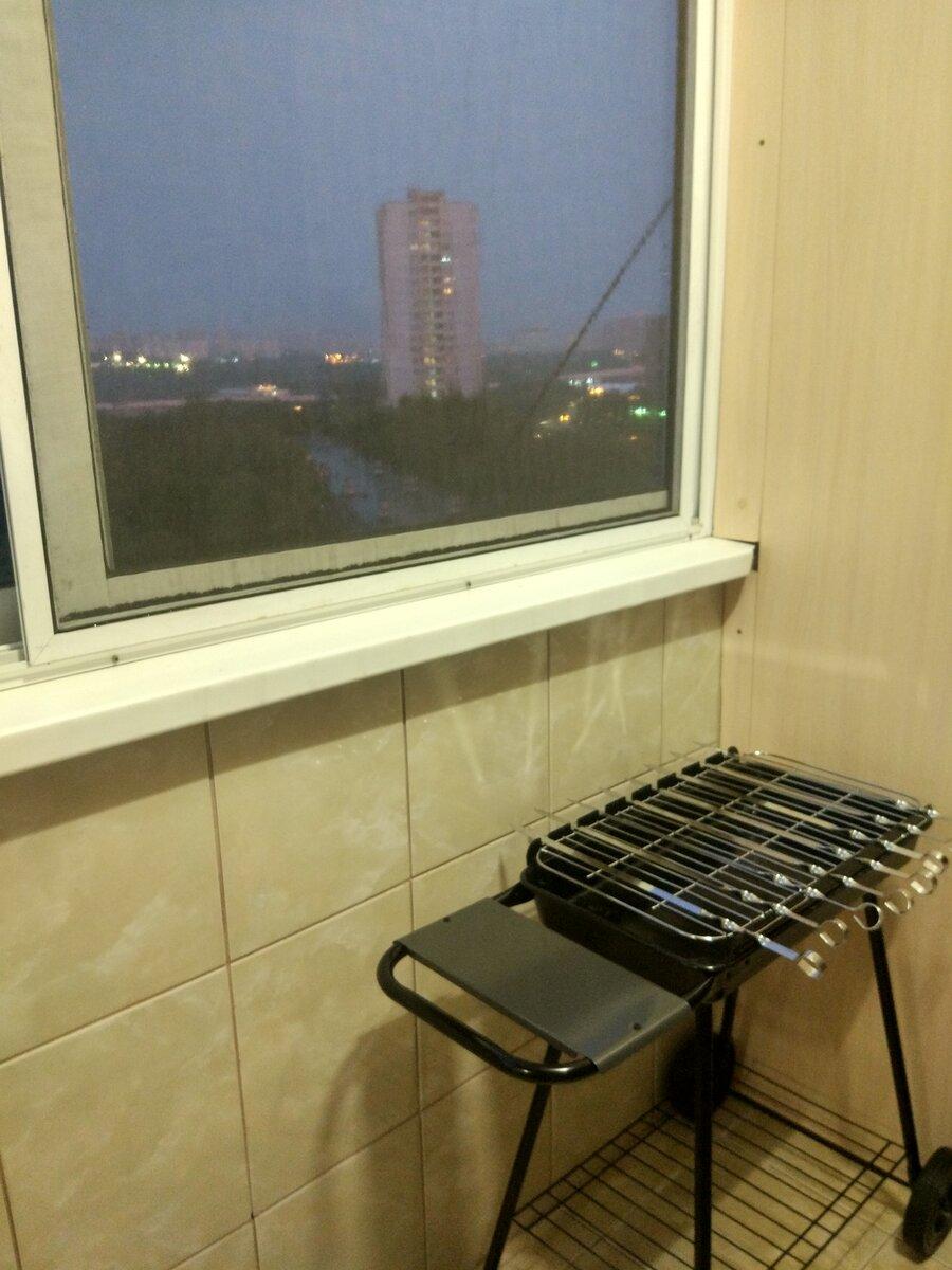 Можно ли и как жарить шашлык на балконе?