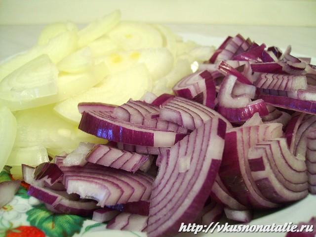 Как вкусно и быстро замариновать лук для салата