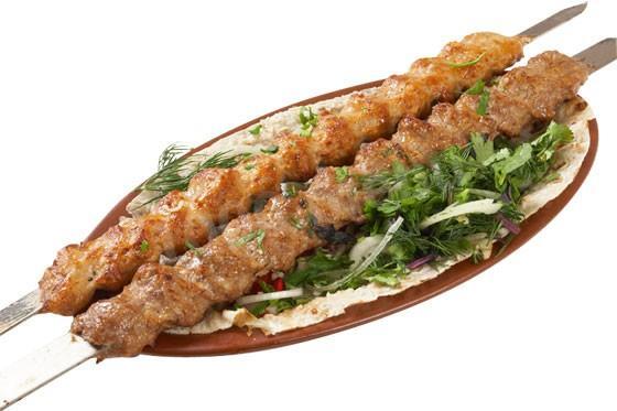 Кебаб: что это такое, из чего состоит, как готовят, 8 рецептов, можно ли сделать в мультиварке или духовке