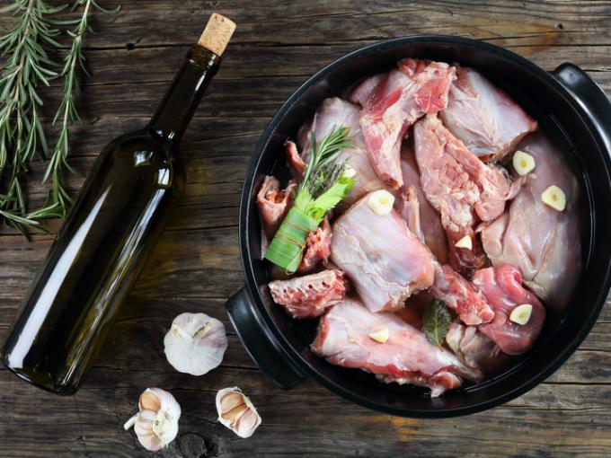 Маринад для шашлыка в красном вине. шашлык из свинины в вине - как правильно его приготовить? шашлык, маринованный в красном вине