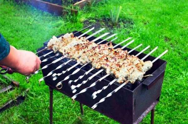 Мясо в фольге на углях