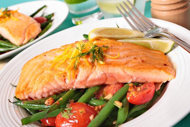 Лосось (стейк на сковороде): рецепт и фото