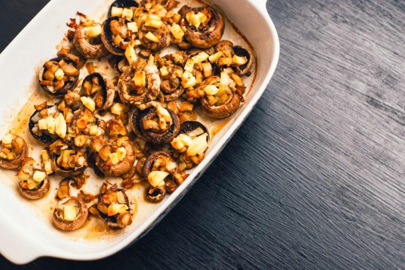 Шашлыки из шампиньонов на мангале - 6 пошаговых фото в рецепте