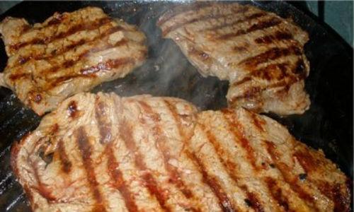 Стейк из свинины в духовке, пошаговые рецепты приготовления
