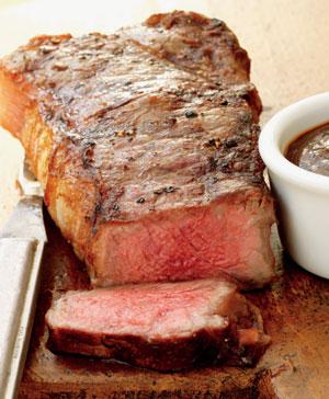 Как приготовить стейки из говядины на сковороде дома — лучшие рецепты, маринад