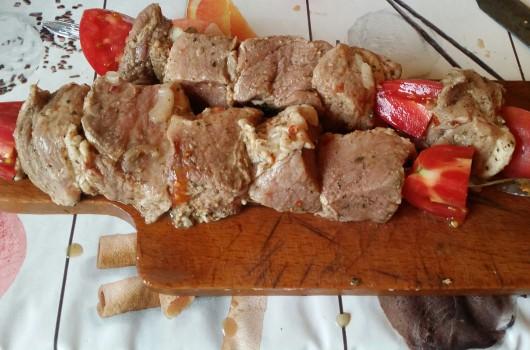 Шашлык из свинины в духовке — 9 рецептов сочного шашлыка в домашних условиях